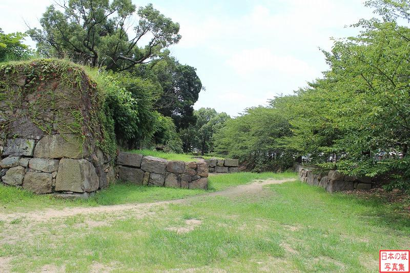 Himeji Castle The ruins of Kuruma-mon gate (Outside enclosure)