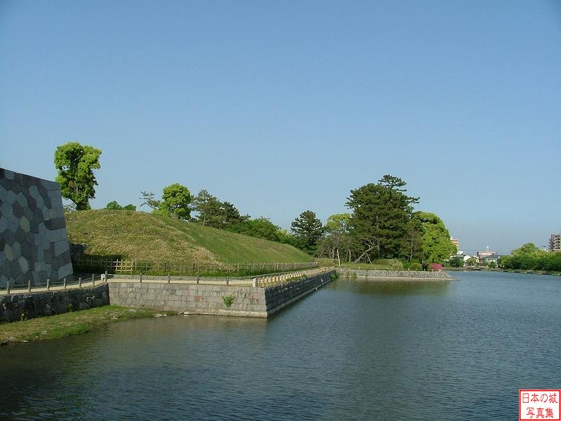 Saga Castle Water moat
