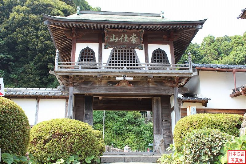 Yonago Castle Relocated gate (Main gate of Kanno temple)