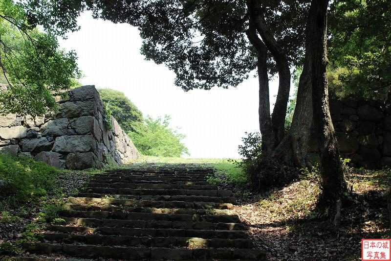 Yonago Castle Naizen enclosure (Upper row)