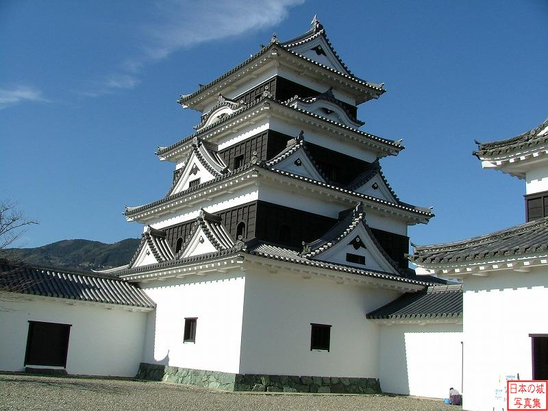 Ozu Castle Main tower