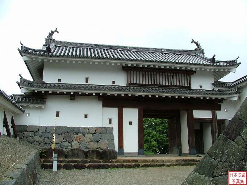 Shiroishi Castle Main gate