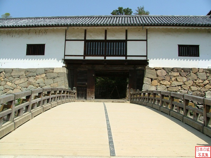 Hikone Castle Tenbin turret and Rouka bridge
