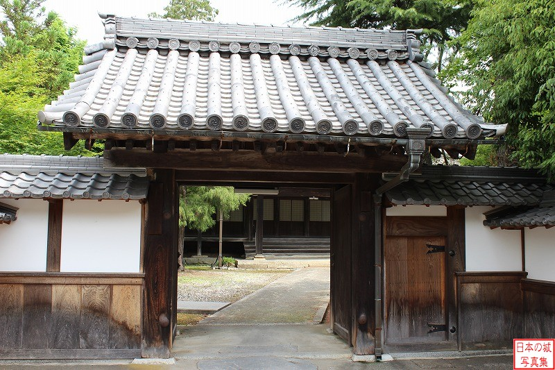 Hikone Castle Relocated gate (Main gate of Hozenji)
