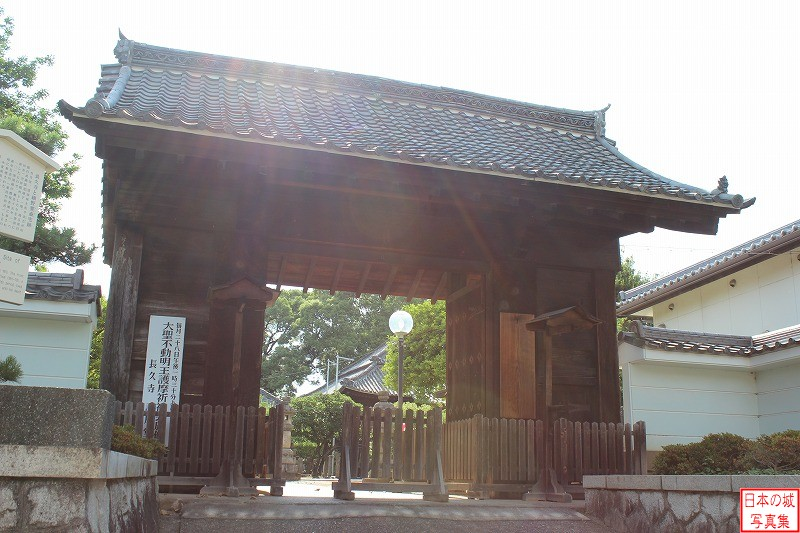 Kiyosu Castle Relocated gate (Main gate of Chokyu temple)