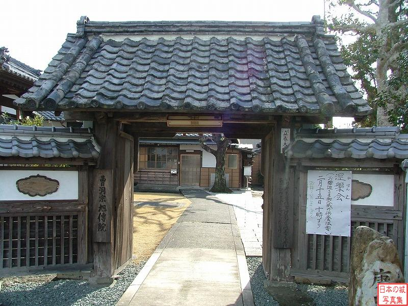 Tanaka Castle Relocated gate (Main gate of Kyokudenin)